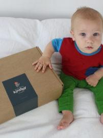 Babyfoto_bunte_Kleidung
