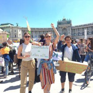 Paula beim Welt-Klima-Streik am Heldenplatz